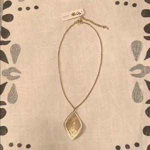 Jewelry - NWT Gorgeous Gold Filigree Pendant w/ Pave Stones